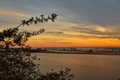Disminución hermosa sobre Volga Fotos de archivo libres de regalías