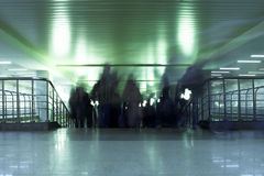 dismount inre metromoscow folk Royaltyfri Bild