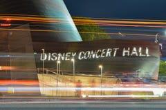 Disney-Concertzaal - een lange blootstelling ziet eruit royalty-vrije stock foto's