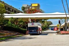 Disney-de Bus die van de Cruiselijn in Orlando International Airport 2 aankomen stock afbeeldingen