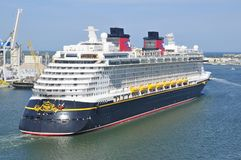 Disney Dream cruise ship sailling Royalty Free Stock Photos