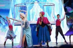 Disney Marznący Princess Elsa i Anna zdjęcia royalty free