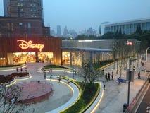 Disney shoppar royaltyfria bilder