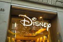 Disney sklep podpisuje wewnątrz Przez dei Calzaiuoli Obraz Stock