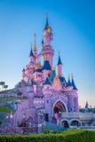 Disney slott, Disneyland Paris, Paris, Frankrike, 18th April 2015 royaltyfri foto