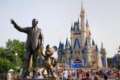 Disney slott i magiskt kungarike Royaltyfri Fotografi