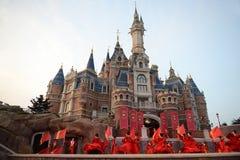 Disney slott i Shanghai arkivbild