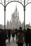 Disney slott på Tokyo Disneyland arkivbilder