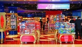 Disney speichern an internationalem Flughafen Hongs Kong Stockfoto