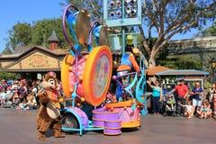 Disney ståtar på Disneyland royaltyfria bilder