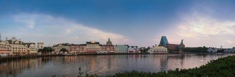 Disney strandpromenad på fjärd sjön nära Epcot tillgriper boulevarden Fotografering för Bildbyråer