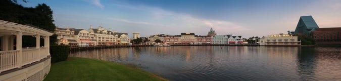 Disney strandpromenad på fjärd sjön nära Epcot tillgriper boulevarden Arkivfoto