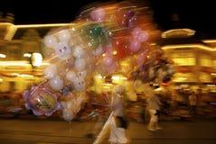 Disney värld på natten Arkivfoto
