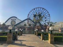 Disneyland's加利福尼亚冒险米老鼠法里斯轮子 免版税库存照片