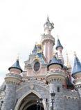 Disneyland, Παρίσι - 14 Μαΐου 2016: Πάρκο Disneyland στο Παρίσι, Γαλλία Ομορφιά Castle ύπνου Στοκ Φωτογραφίες