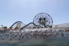 Disneyland Adventureland de Fontein toont Royalty-vrije Stock Fotografie