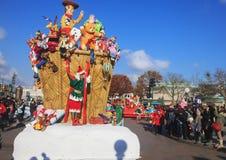 Disneyland - défilé dans le temps de Noël Image libre de droits