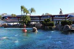 Disneyland-Einschienenbahn (Kennzeichen VII) lizenzfreie stockbilder