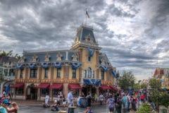Disneyland Emporiumböcker och gåvor fotografering för bildbyråer