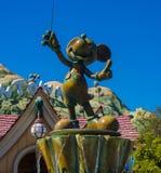 Disneyland Mickey Mouse Conductor staty fotografering för bildbyråer