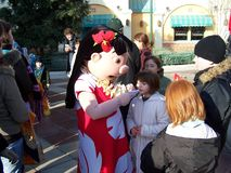 Disneyland París Lilo Signing Autographs para las fans imagenes de archivo