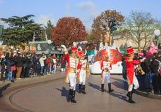 Disneyland - parata nel tempo di Natale Fotografie Stock Libere da Diritti