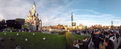DISNEYLAND PARIJS het panorama van PrinsesCastle Stock Foto