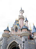 Disneyland Paris - 14 Maj 2016: Disneyland parkerar i Paris, Frankrike Sova skönhetslotten Arkivfoton