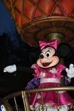 Disneyland Paris ståtar på natten Arkivfoto