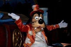 Disneyland Paris ståtar på natten Royaltyfri Foto