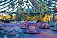 Disneyland Paris tekoppritt arkivfoton