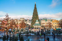 Disneyland Paris under julberömmar royaltyfri fotografi