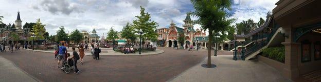 Disneyland parkerar central Plazapanorama arkivfoton