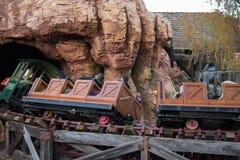 Disneyland Resort nöjesfält i Anaheim, Kalifornien royaltyfria foton