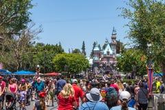 Disneyland rozrywki park, Anaheim, Kalifornia Wesoło rodzinni wakacje Fotografia Stock