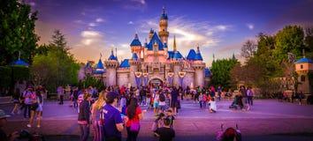 Disneyland slott fotografering för bildbyråer