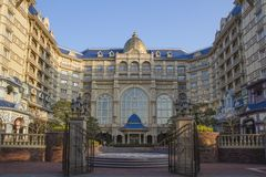 Disneyland slotthotell royaltyfri foto