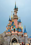 Disneyland - sova skönhetslotten royaltyfria bilder