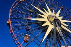 Disneyland stort roligt hjul Starburst arkivfoto