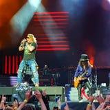 Dispara contra n' Rosas en concierto imagenes de archivo