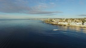 Disparado da zona litoral do Oceano Pacífico e do San Diego do helicóptero filme