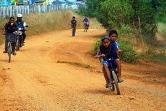 Disparaissent l'enfant de vélo Image libre de droits