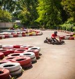 Disparaissent le concours de sport de course d'entraînement de vitesse de kart image libre de droits