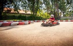 Disparaissent le concours de sport de course d'entraînement de vitesse de kart images stock