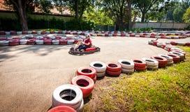 Disparaissent le concours de sport de course d'entraînement de vitesse de kart photos libres de droits