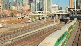 Disparaissent le train de transit à Toronto, Canada clips vidéos