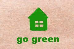 Disparaissent le vert sur le papier d'emballage Photos stock