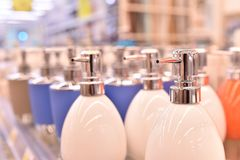 Dispensadores del jabón líquido Imagen de archivo