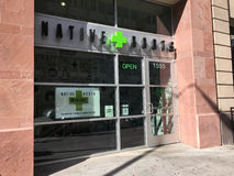 Dispensario medico e ricreativo della marijuana a Denver, Colorado fotografia stock
