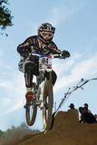 Disperso nell'aria durante il finale fatto funzionare giù la pista Fotografie Stock Libere da Diritti